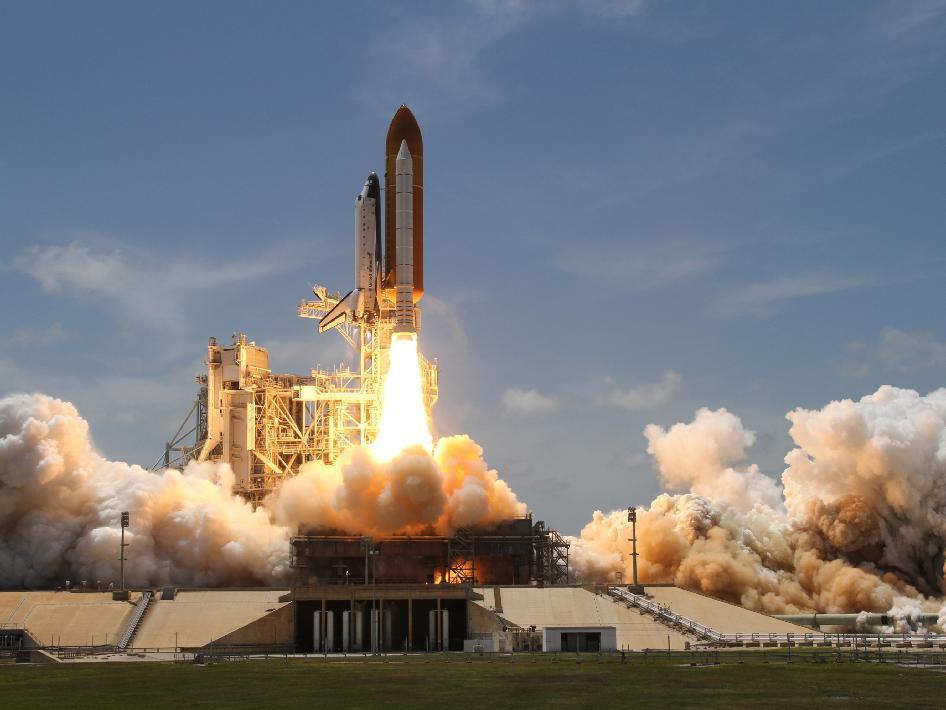 Dernier décollage de la navette spatiale atlantis STS-132